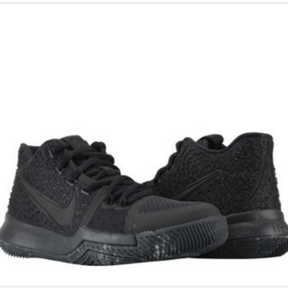 pretty nice b8610 caa18 Nike Kyrie 3 (GS) Triple Black Basketball Shoes